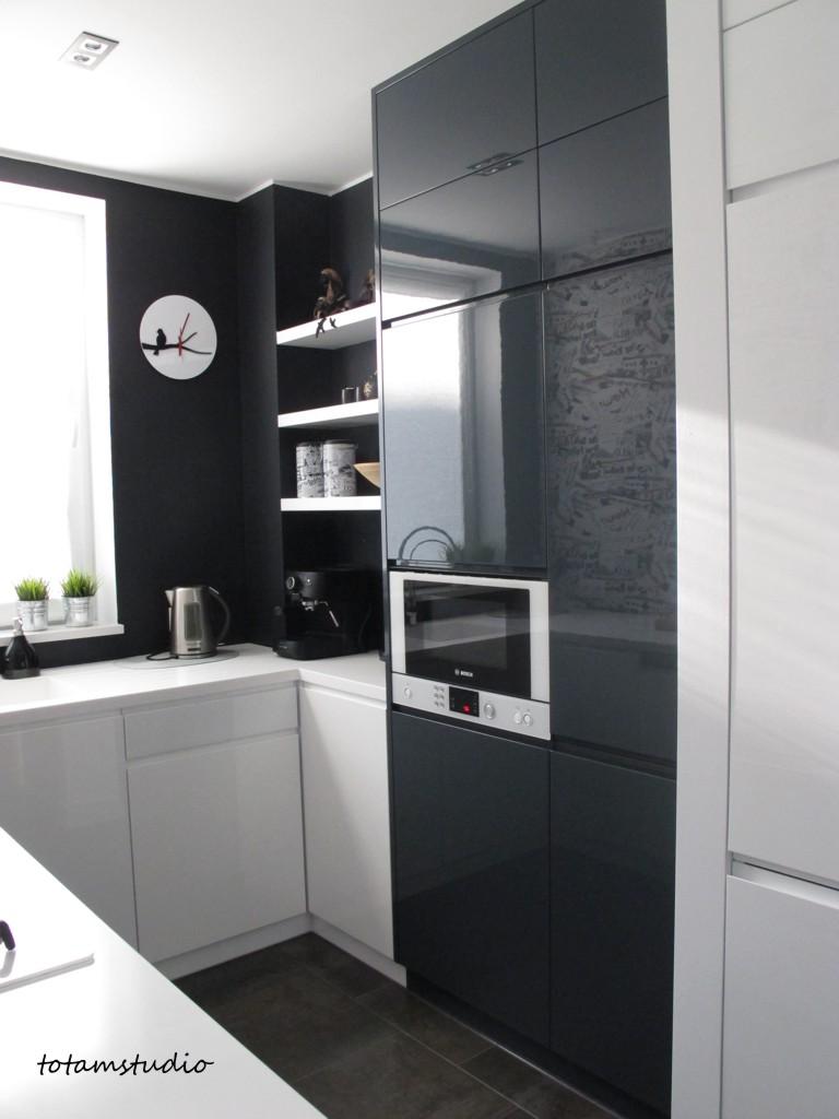 kuchnia w bieli i czerni -> Kuchnia W Bloku W Bieli